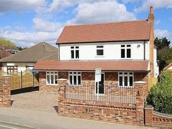 Oak Hill Road, Stapleford Abbotts, Essex RM4