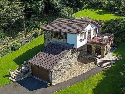 Stansfield Hall Road, Todmorden, OL14