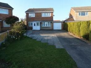 Newtree Drive, Wadworth, Doncaster, South Yorkshire DN11
