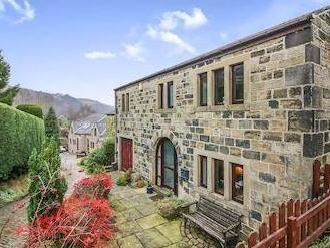 Peel Cottage Road, Walsden, Todmorden OL14