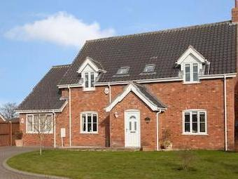 Peters Way, Yaxham, Dereham Nr19
