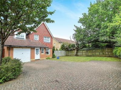 Dove Close, Kingsnorth, TN23 - Garden