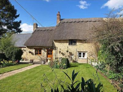 House for sale, Dove Cottage - Garden