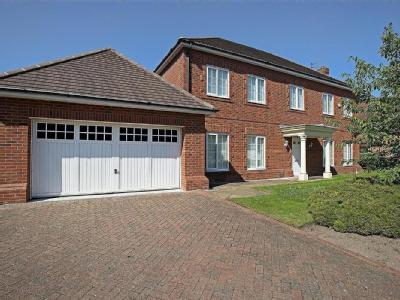 Dowhills Drive,  Crosby, L23 - Garden