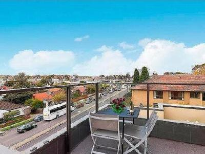Flat to buy Warrigal Road - Air Con