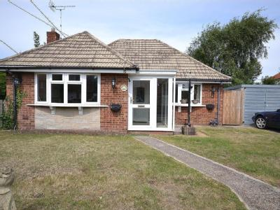 Eastern Road,  Lydd, TN29 - Bungalow