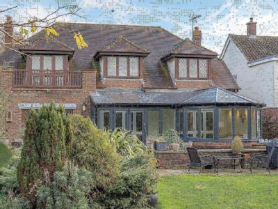 House for sale, Eastwood Road