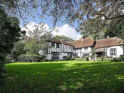 House for sale, Elms Road - Listed
