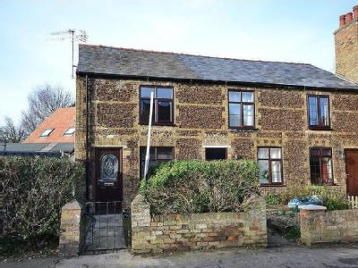 House to let, Ely, Cb7 - Fireplace