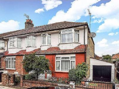 Tottenhall Road, Palmers Green, N13