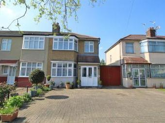 Connaught Avenue, Enfield EN1