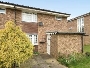 Edgefield Close, Redhill RH1 - House