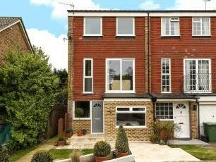 Acacia Close, Stanmore, Middlesex HA7