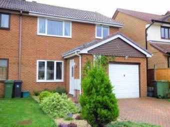 Freesia Close, Weymouth Dt3 - Terrace