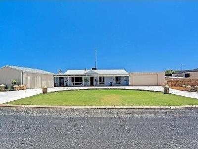 House to buy Harolds Way - Near Beach