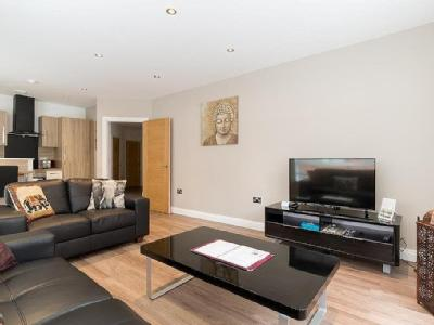 , B18, Birmingham - Double Bedroom