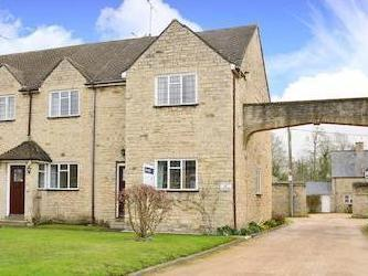 Aynho Court, Croughton Road, Aynho, Northamptonshire Ox17