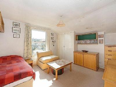 Huron Road, Sw17 - Freehold