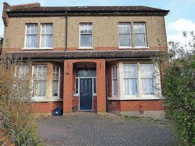 Normandy Avenue, Barnet, En5 - Garden