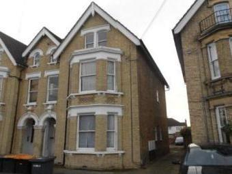 Chaucer Road, Bedford MK40 - Flat