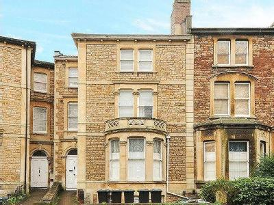 Whatley Road, Bristol, Bs8 - En Suite