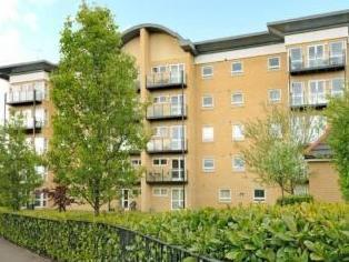 Sparkes Close, Bromley BR2 - Flat