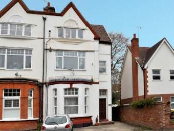The Oaks, Whitebeam Avenue, Bromley Br2