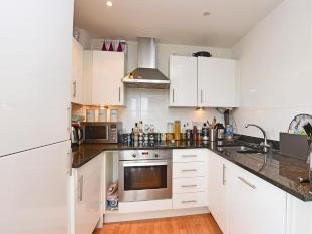 St Georges Court, Flat 29, 3 High Street, Colliers Wood SW19