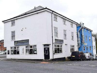 Flat for sale, The Barrel - Freehold