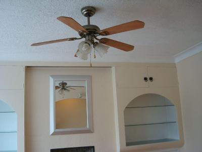 Flat to rent, Cayton Road - Fireplace