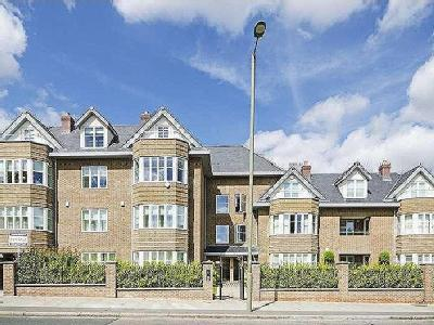 Queens Road, Hendon, NW4 - Modern
