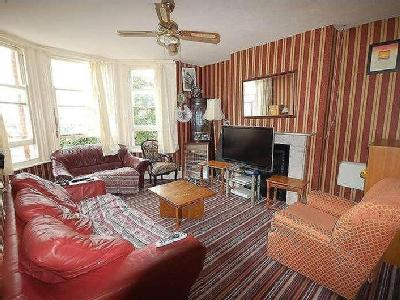 Flat for sale, Station Road