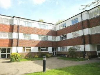 Gilligan Close, Horsham RH12 - Flat