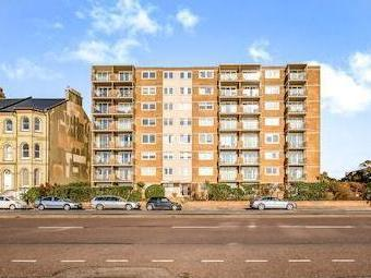 Kingsway, Hove Bn3 - Lift, Freehold
