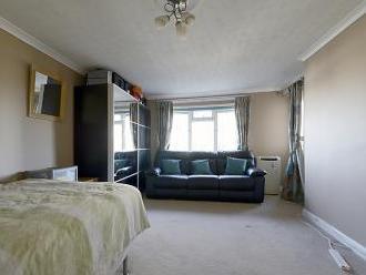 Minster Way, Langley, Slough SL3