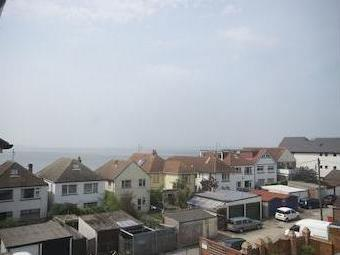 Robinson Court, Beach Road, Lee-on-the-solent Po13