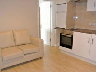 Flat to let, Mora Road Nw2 - Patio