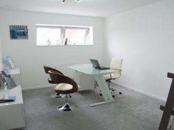 Live/Work Unit, Green Point, Colindale NW9
