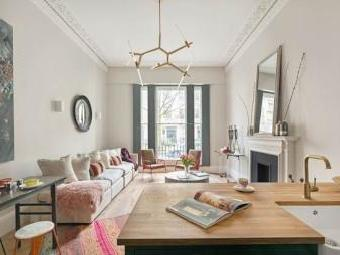 Queen's Gardens, London W2 - Freehold