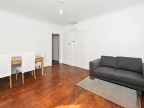 Knowsley Road, London SW11 - Flat