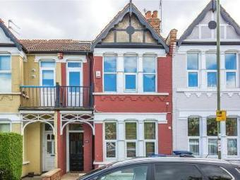 Squires Lane, Finchley, London N3