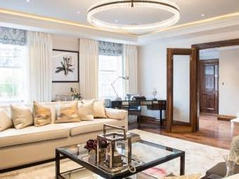 Grosvenor Hill, Mayfair W1K - Flat