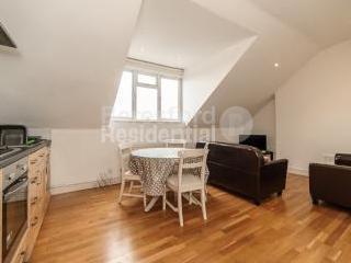 East Hill, London SW18 - Apartment