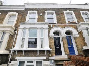 Martaban Road, London N16 - En Suite