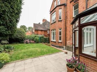 Chesterford Gardens, Hampstead, London NW3