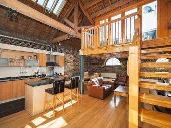 Hertsmere Road, London E14 - Listed