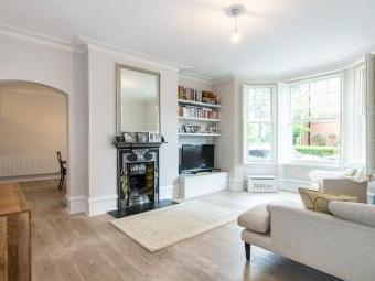 Sutton Court, Fauconberg Road, Chiswick W4