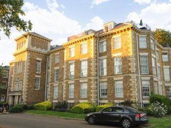 Princess Park Manor, Royal Drive N11