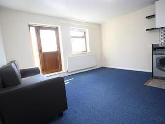 West Street E11 - Double Bedroom