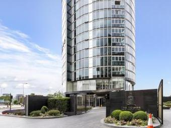 The Tower, One St George Wharf, London SW8